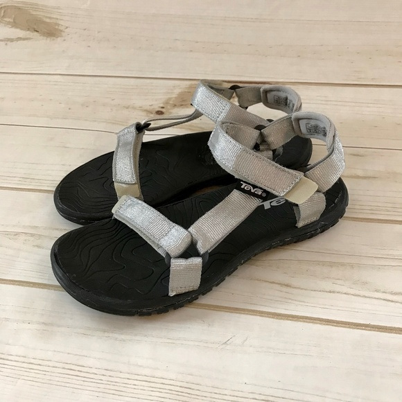 9f2f36fb57f Teva Hurricane 3 Silver Sports Water Sandals. M 5b64cd34fe5151e581df9b91
